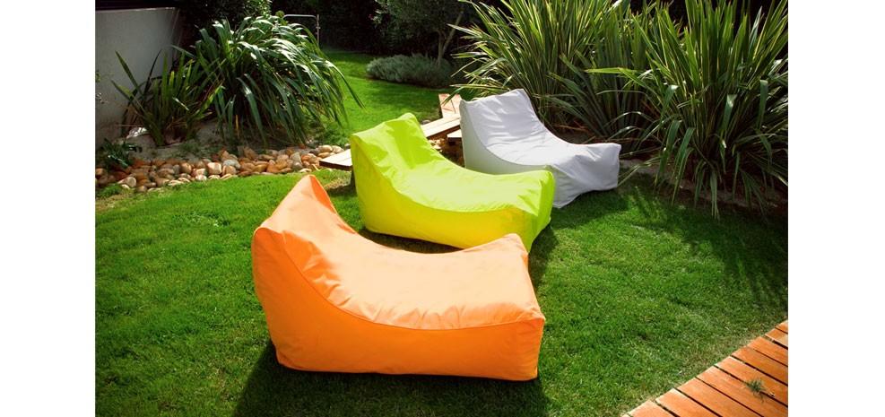 quand les poufs deviennent tendance et styl s. Black Bedroom Furniture Sets. Home Design Ideas