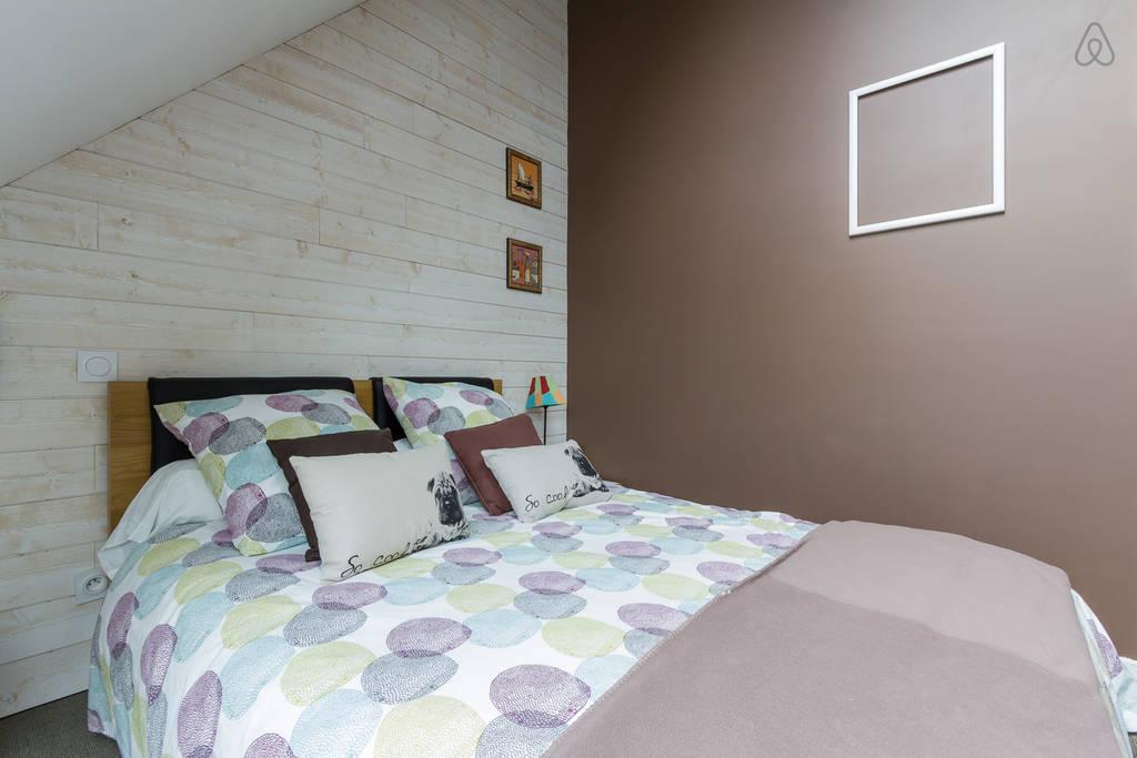 utiliser deux couleurs pour peindre sa chambre comment faire. Black Bedroom Furniture Sets. Home Design Ideas
